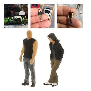 2Pcs 1:64 Mini Figure People Layout Scenery Scenario Diorama Group Decor