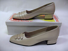 MAGDESIANS CA USA WOMENS SHOES SIZ 6.5 N BONE NAPPA SHELLY LEATHER PUMPS CLASSIC