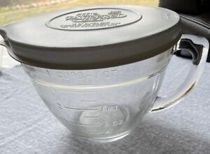 Vintage Pampered Chef 4 Cup 1 Quart Glass Measuring Mixing Batter Bowl Hen Logo