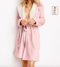 VICTORIA'S SECRET COZY HOODED PLUSH FLEECE WITH SHERPA LININ PINK SHORT ROBE M/L