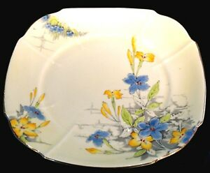 A Beautiful Paragon Hand Painted 1930's Cake Plate Pattern G747