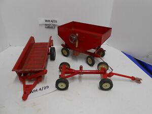 ERTL 1/16 Diecast International Harvester IH Gravity Wagon/Spreader/Wagon Gear