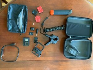 Go Pro Camera w/Bag, Case, & Accessories. Slightly Used Condition