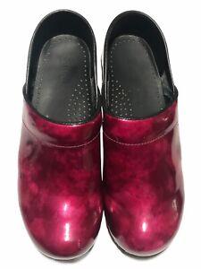 Sanita Women's Professional Fuchsia Patent Leather Closed Clog's - Size 39/EU