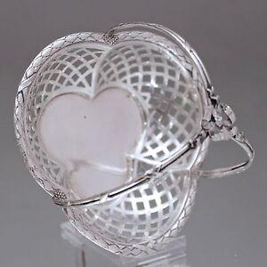 Korb aus Silber: Jugendstil Körbchen mit Lorbeerblättern und Kreuzband, Schale