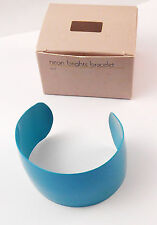 AVON NEON BRIGHTS BRACELET BRIGHT SHINY METAL BANGLE IN TEAL NOS 1986