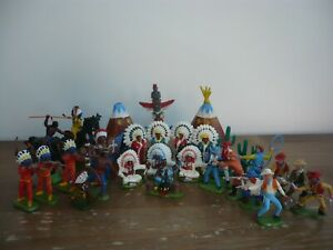 BRITAINS ASSORTED COWBOYS & INDIANS TOY SOLDIERS