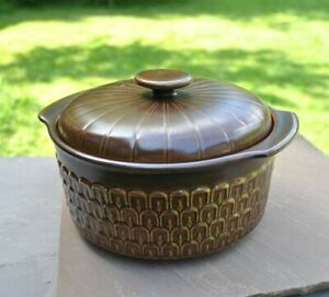 Wedgwood Pennine small round casserole lidded dish in excellent condition