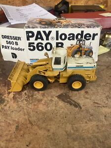 DRESSER 560 B PAY LOADER Conrad 2420 Scale 1:50 White WEST GERMANY Need Cleaning