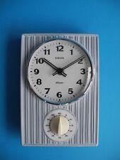 Ancienne céramique horloge horloge de cuisine 50er 60er années avec BACKUHR Europe elomatic