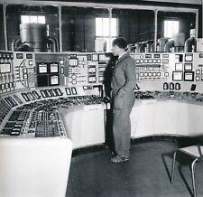 MONTEREAU c. 1960 - Agent Centrale Thermique Seine et Marne - Div 11892