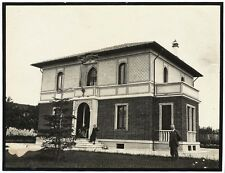 Villa Tencheni Unknown location+two women Lot two single small photos 1926 S1010