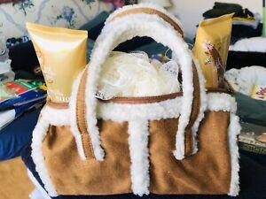 New Bath Set With Bag Purse Vanilla Sugar Body Lotion Shower Gel Netted Sponge