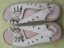 Avenue Beige Size 8 Sandals with Butterfly motif