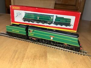 Hornby R2219 SR 4-6-2 West Country Class Loco 21C123 Blackmoor Vale