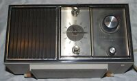 Retro General Electric Solid State AM Radio Alarm Clock Model # c2423B / c2420B