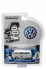 1975 VOLKSWAGEN TYPE 2 BUS AMBULANCE W/ ROOF LIGHT/SIREN 1/64 GREENLIGHT 29840