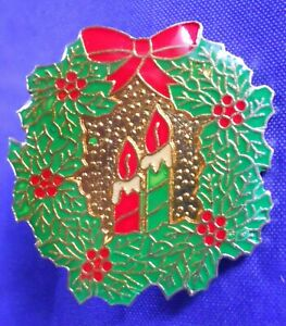 Christmas Holiday Wreath & Candles Brooch Lapel Pin