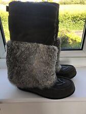 Muks Size 5 Rabbit Fur Boots