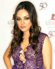 Mila Kunis Unsigned 8x10 Photo Purple Lace Top (25)