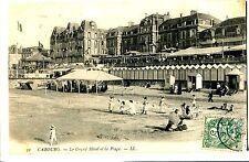 CPA - CALVADOS ( 14 ) - CABOURG - Le grand Hôtel et la plage (038)