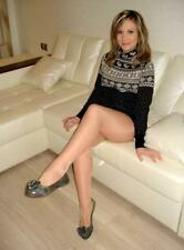 """5""""x7"""" PHOTO * SEXY BABE in a SHORT SWEATER DRESS & PANTYHOSE on THE SOFA * AU102"""
