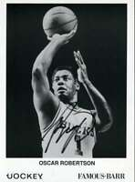 Oscar Robertson Psa Dna Coa Autographed 6x9 Photo  Hand Signed Authentic