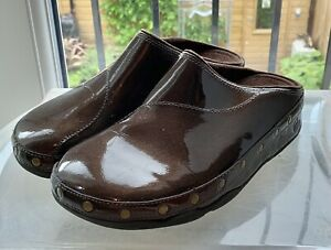 Fitflop Happy Gogh Bronze Patent Leather Studded Clogs 105-012 UK 7 EU 41 US 9