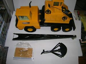 NYLINT JUMBO MICHIGAN SHOVEL CRANE #2250 , LOT # 20187