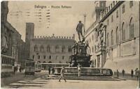 1924 Bologna - Piazza Nettuno, vecchi tram, passanti - FP B/N VG ANIM
