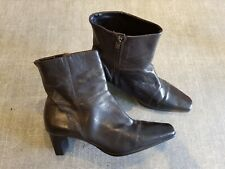 Carvela size 8 (41) brown leather side zip block heel ankle boots