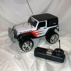 Maisto R/C 1:16 Scale Off Road Series Jeep Wrangler Rubicon Vehicle - EUC!!