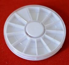 Boite à vis ou rangement pièces horlogerie ou bijouterie plastique 12 cases