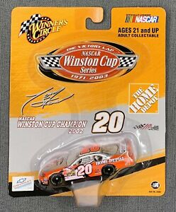 WINNER'S CIRCLE #20 TONY STEWART HOME DEPOT - WINSTON CUP CHAMPION 2002 - 1:64