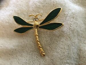 Vintage Trifari Dragonfly Brooch Green Enameled Gold Tone Rhinestone Eyes