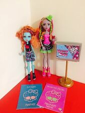 Monster High Marisol Coxi And Lorna Mcnessie - Student exchange programme T5