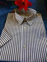 neuve ,T 2 chemise homme blanche a rayures noires=== poche,manches courtes
