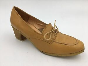 Vintage 1970s Bally Heels size 6N Tan Beige Leather Lace Up Crepe Italy made B1
