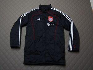 FC Bayern München Jacke Winterjacke Spielerjacke Gr. S D4  no Trikot