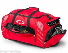 """Oakley 85L Large Sport 28"""" Red Duffle Bag Made For Travel Or The Gym - New"""