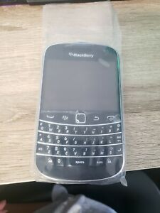 BlackBerry Bold QWERTY Touch 9900 5MP/8GB Unlocked