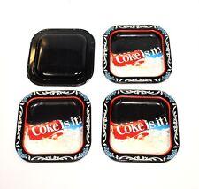 4 pezzi ORIGINALE USA Coca-Cola Metallo Sottobicchieri Coca Cola is it! Coaster 1980