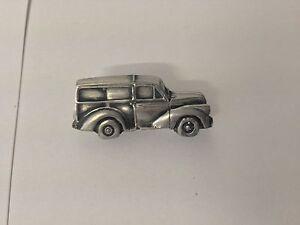 Morris Minor Traveler 3D pin badge car pewter effect pin badge ref161