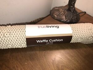 TRUE LIVING TUB MAT SOFT CUSHION W/SUCTION CUPS HOLD MAT IN PLACE 16.75X35.5.NEW