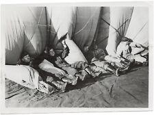 Fesselballon, Fest hineinlegen. Orig-Pressephoto, von 1942