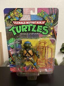 TMNT Classic Leo Figure Playmates Retro Basic Walmart Nickelodeon Leonardo New