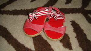 GYMBOREE 02 2 RED WHITE STRIPED SANDALS SHOES BABY INFANT