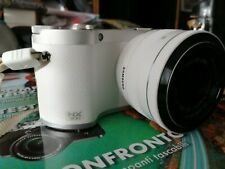 Samsung nx300 bianca - mirrorless baionetta Samsung nx 20,3 Mpx con zoom