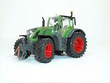 Siku Famer 3285 Fendt 724 Vario Traktor  1:32 Bauernhof