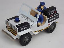 VINTAGE DAIYA TIN PLATE BATTERY POWERED POLICE PATROL JEEP -  MADE IN JAPAN
